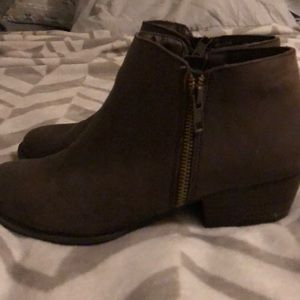 Union Bay ankle boots